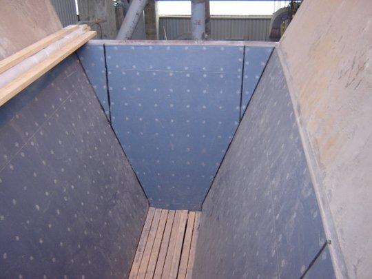 Облицовка бункера глины материалом Matrox